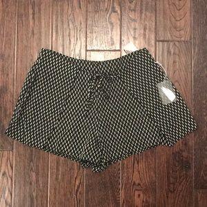 NWT Black/cream woven shorts